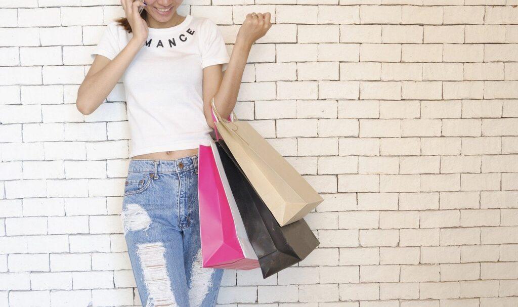 50代女性に人気の大人レディースファッションはこれ!人気ブランドTOP14