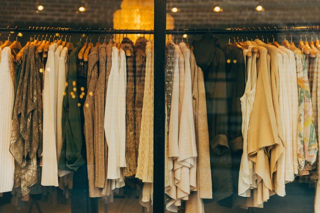 何を着たらいい?アラフォーからの服装の選び方やおすすめブランド