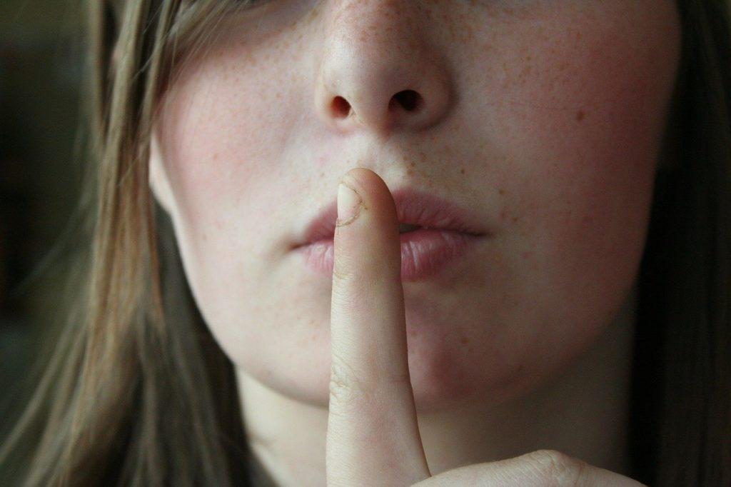 【嘘つきな旦那】なぜ?何のため?旦那が嘘をつく理由&嘘の見破り方