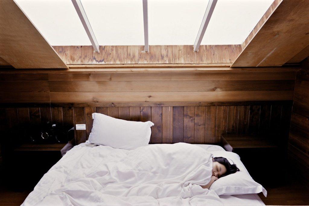 【最新の痩せる睡眠法】痩せない理由は睡眠だった!?
