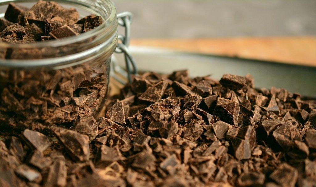 【正しく食べれば怖くない!】美容に効果的なチョコレートの種類と食べ方