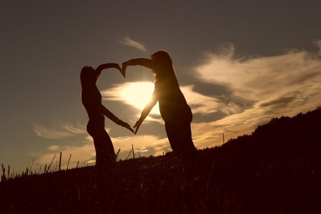 """【恋人との関係の変化に悩んでいる方へ】恋愛における""""段階""""の重要性とは?"""