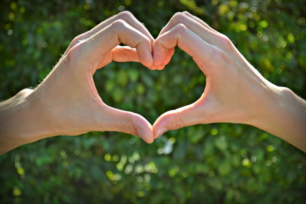 【新しい出会いを手に入れる!】恋愛したい人が取るべき行動とは