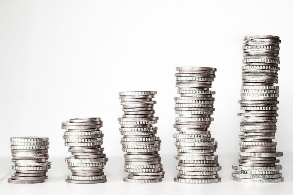 浪費家必見!貯金を増やす簡単な方法とは?