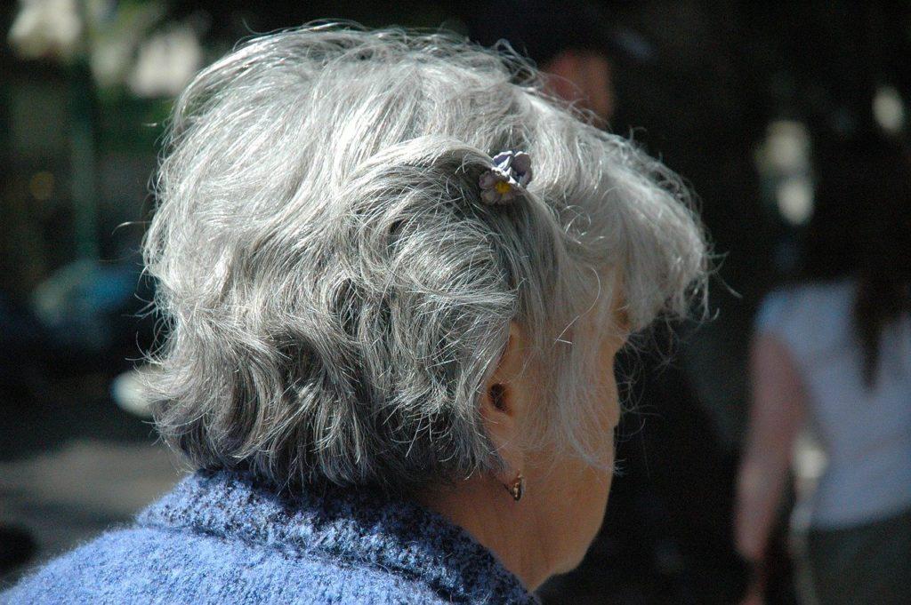 老後の女性の一人暮らしを楽しむコツ&必要な資金は?