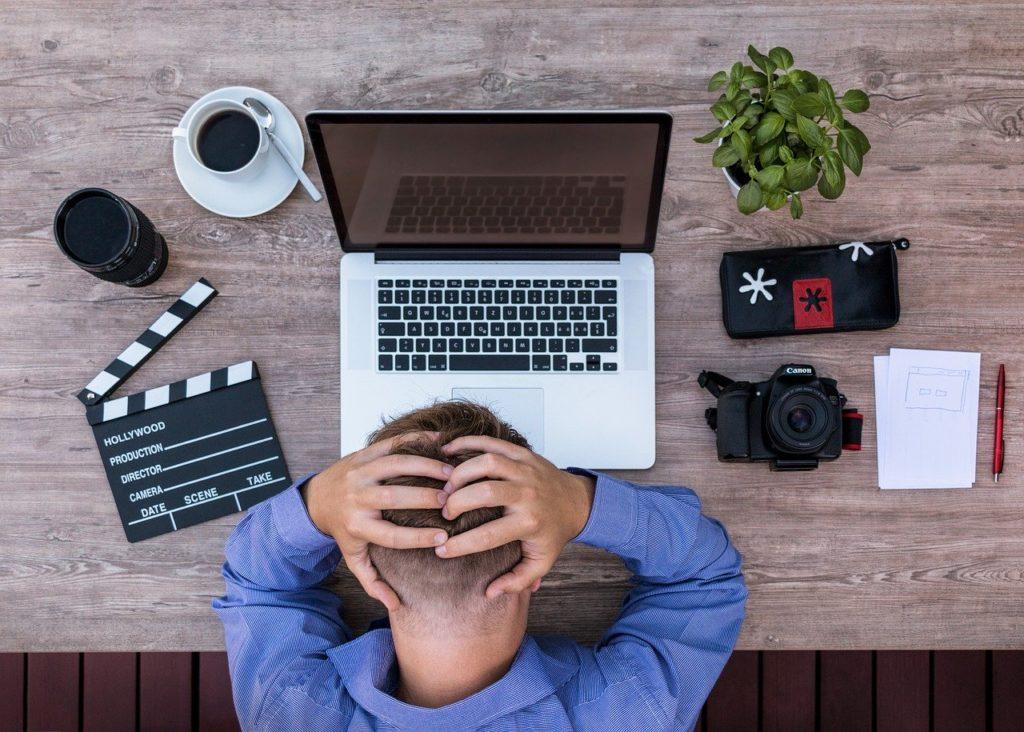 辛い職場の人間関係によるストレス…あなたが選ぶべき選択肢とは