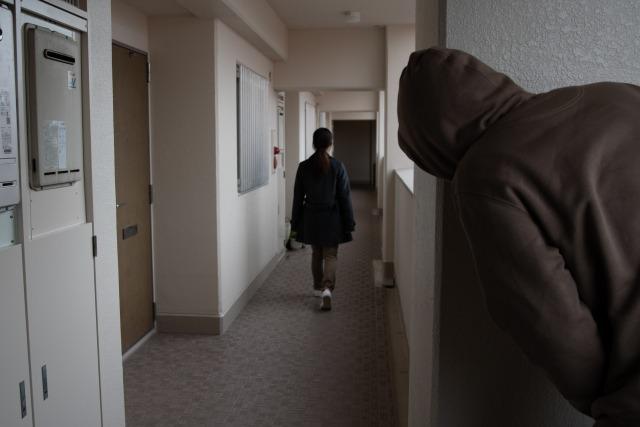 【女性が犯罪から身を守る方法】被害は未然に防いで!