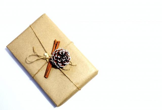 【絶対喜ばれる】男性へのお祝いに贈りたい、おすすめプレゼント特集