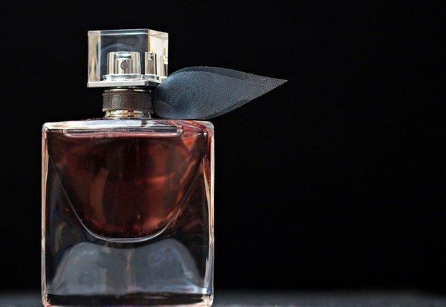 大人女性は香水であそぶ♡香水の付け方とおすすめブランド5選