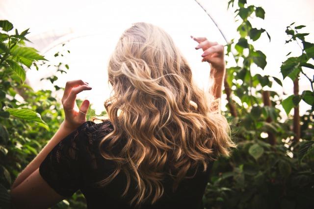 オシャレは髪の毛で決まる!40代女性におすすめな髪型とヘアケア