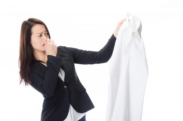 体臭が気になる!加齢臭はいつから始まる?対策を知って臭いを撃退!