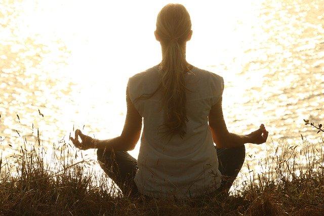 【瞑想のすごい力】瞑想って危険?安全にリラックスして楽しむ方法