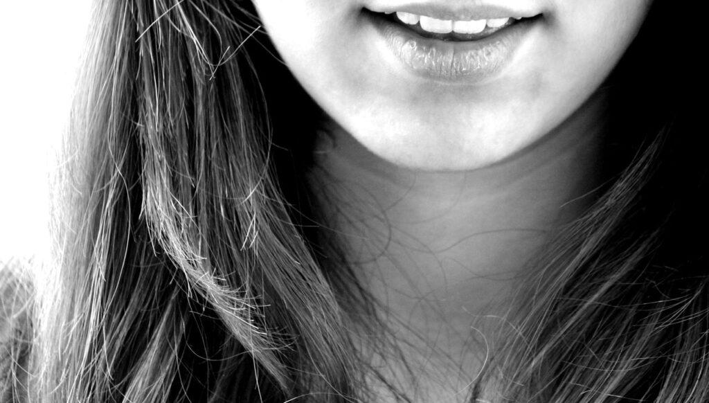顎のたるみを解消しよう!原因や解消方法をとは?