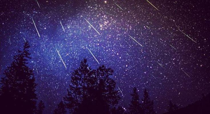 【夢占い】夢の中に流星群が出てきたときの暗示・意味とは?