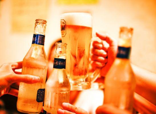 【結局お酒は美容に良いの?】お酒が美容に与える意外な影響とは?