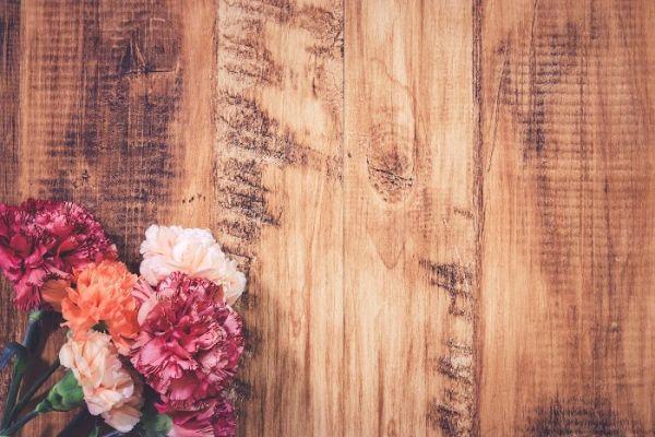 【花のアロマで癒しを実感!】お花のアロマの効果と活用法特集