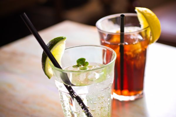 【紅茶とハーブティーって別物?】紅茶とハーブティーの特徴を知ってティータイムを楽しもう♪