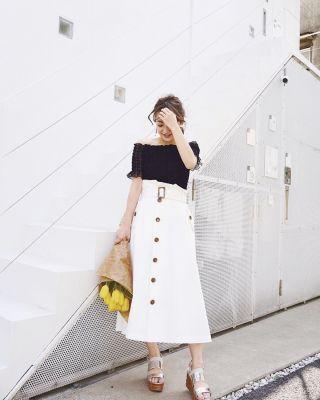 【シンプルだけどオシャレに】モノトーンファッションで洗練された大人の女性に