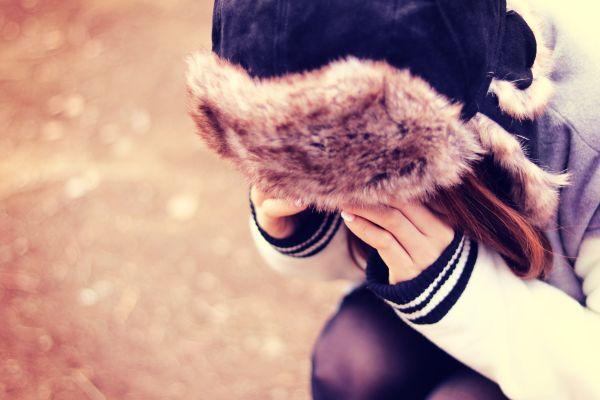 本当は泣きたくないけれど…恋愛ですぐに泣いてしまう時の原因&対処方法