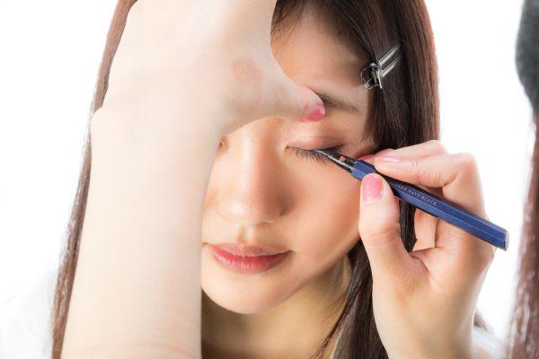 【アラフォー】美しさは目元で決まる!40代の目元を綺麗に見せるアイラインの引き方